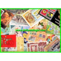 Tous pays blocs feuillets de timbres tous différents.
