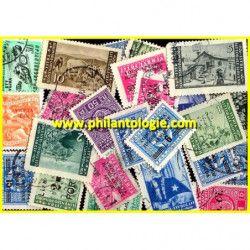 Trieste timbres de collection tous différents.
