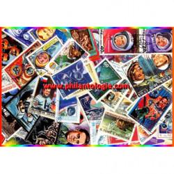 Cosmonautes timbres thématiques tous différents.