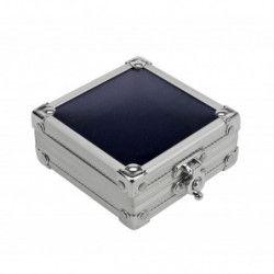 Coffret-vitrine compact pour présenter divers objets de collection.