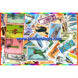 Avions anciens 100 timbres thématiques tous différents.