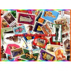 Sculptures timbres thématiques tous différents.