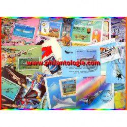 Avions blocs-feuillets de timbres thématiques.