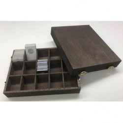 Coffret en bois naturel pour ranger 400 étuis numismatiques 50 x 50 mm.