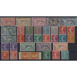 Lot de timbres de France semi-moderne 1900-1922 TBE.