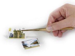 Pince philatélique - Un outil indispensable pour travaux de précision.