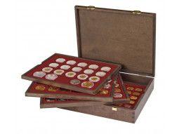 Coffret numismatique Carus Lindner en bois massif pour mettre en valeur votre collection de monnaies.